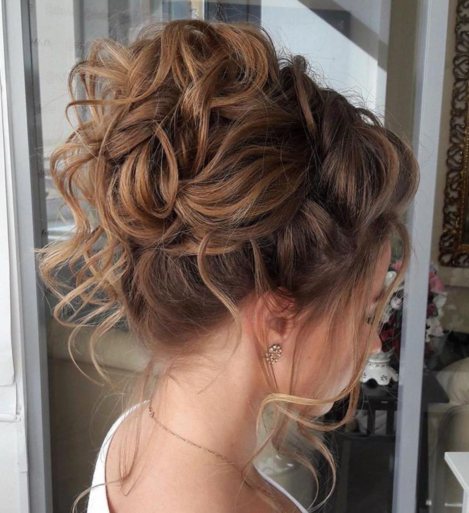 21 Classy And Charming Hairstyles For Wedding Guest Haircuts Hairstyles 2020