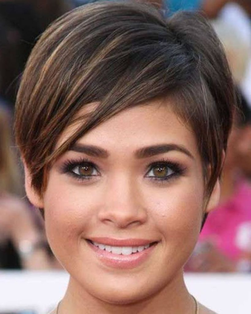 10 Most Ravishing Hairstyles for Double Chin - Haircuts