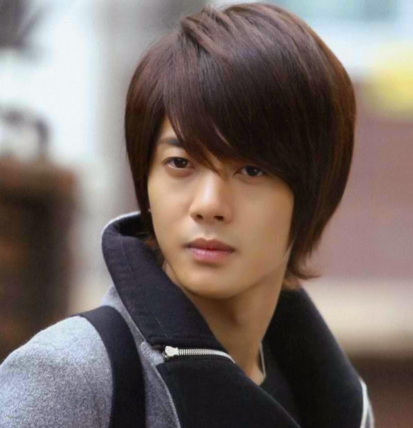20 Dashing Korean Hairstyles For Men Haircuts Hairstyles 2020