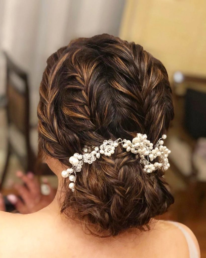 21 Bridal Hairstyles For An Elegant Look Haircuts Hairstyles 2020