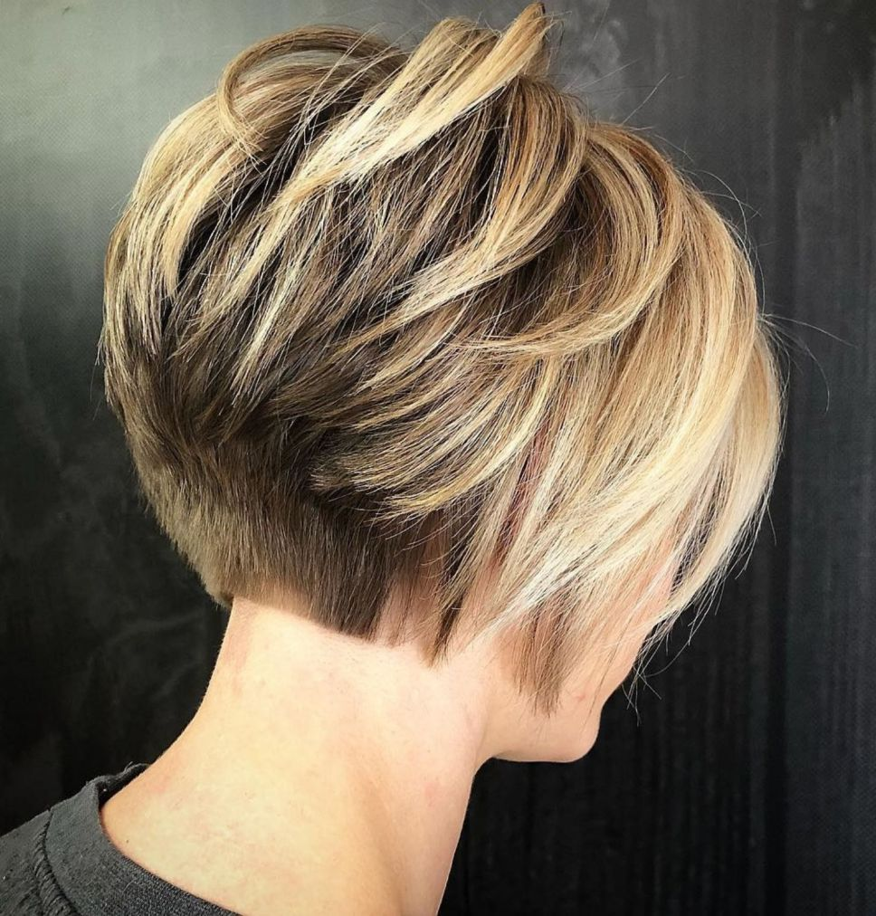 25 Trend Setter Short Hairstyles for Thick Hair - Haircuts & Hairstyles 2020